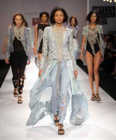 """Wills Lifestyle India Fashion Week 2009"" Day 1 by Anamika Khanna #Fashion #WillsLifestyle"