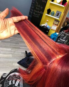 Bold Hair Color, Beautiful Hair Color, Hair Color For Black Hair, Pressed Natural Hair, Dyed Natural Hair, Pretty Hairstyles, Wig Hairstyles, Peekaboo Hair, Curly Hair Styles