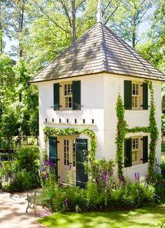 Tudor Tiny Mansion
