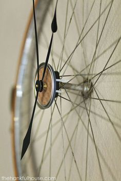 vintage bicycle wheel clock, home decor, repurposing upcycling, wall decor Bycicle Illustration, Bycicle Woman Bicycle Clock, Bicycle Wheel Decor, Bicycle Shop, Diy Clock, Clock Ideas, Clock Wall, Cool Clocks, Little Corner, Vintage Chairs