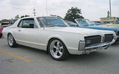 1967 Mercury Cougar Coupe Front Right