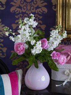 Kaunista koti leikkokukilla. Decorate home with flowers. | Unelmien Talo&Koti Kuvaaja: Pekka Ailio Toimittaja: Anette Nässling