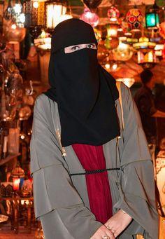 Niqab Fashion, Muslim Fashion, Muslim Girls, Muslim Women, Tights Outfit, Hijab Outfit, Hijab Evening Dress, Black Abaya, Innocent Girl