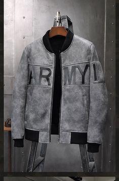 Mens Shearling Jacket, Men's Leather Jacket, Denim Jacket Fashion, Denim Jacket Men, Mens Outdoor Fashion, Designer Jackets For Men, Swag Outfits Men, Sheepskin Coat, Mens Clothing Styles