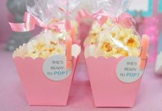 Find the best ready to pop baby shower favors! Unique and creative ready to pop baby shower favor ideas Baby Shower Azul, Pop Baby Showers, Shower Bebe, Baby Boy Shower, Baby Shower Favors Girl, Cute Baby Shower Ideas, Baby Shower Games, Shower Party, Baby Shower Foods