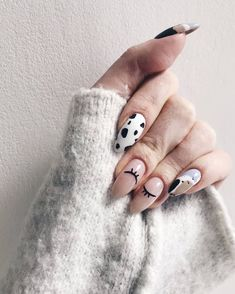 Best nail art designs to try this spring & summer mismatched nail art designs short nail art designs, nail art ideas, nail art designs nail art, short nail ideas, nail colors Winter Nail Art, Winter Nail Designs, Winter Nails, Summer Nails, Stylish Nails, Trendy Nails, Cute Nails, Minimalist Nails, Acrylic Nail Designs