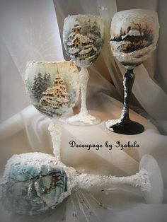Easy Holiday Decorations, Christmas Centerpieces, Christmas Decoupage, Christmas Crafts, Christmas Ornaments, Wine Bottle Crafts, Bottle Art, Decoupage Jars, Hand Painted Wine Glasses