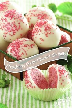 Strawberry Cream Cheese Cake Balls from Crisco made with strawberry cake mix and cream cheese frosting make the perfect bite-sized springtime dessert! An easy dessert recipe for any occasion. (how to make frosting with crisco) Brownie Desserts, 13 Desserts, Delicious Desserts, Birthday Desserts, Bite Sized Desserts, Asian Desserts, Homemade Desserts, Healthy Desserts, Food Cakes