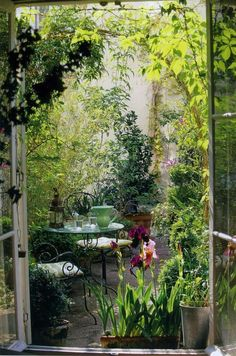 pictures of hidden garden relaxation spots | secret garden