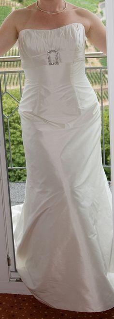 ♥ Champagnerfarbenes Brautkleid ♥  Ansehen: http://www.brautboerse.de/?post_type=listing_type&p=44968   #Brautkleider #Hochzeit #Wedding