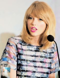 Taylor Swift at The Giver press conference <3 12.08.14
