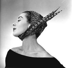 Modèle de Christian Dior, Paris, années 1950                                                                                                                                                                                 More