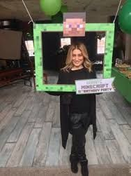take a pic 9th Birthday Parties, Minecraft Birthday Party, Birthday Fun, Photos Booth, Photo Booth Props, Minecraft Party Decorations, Minecraft Party Ideas, Mindcraft Party, Minecraft Pictures