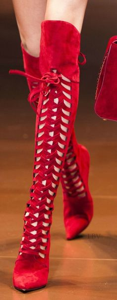 www.SocietyOfWomenWhoLoveShoes.org Versace Fall 2014 - ..take the prize!