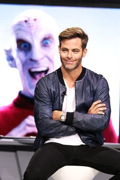 Fan Event for Star Trek Beyond The image behind Chris is amazing.