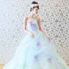 * * ふわふわとしたニュアンスカラーのチュールが幾重にも重なり、柔かくてエレガントな女の子らしいドレス。 *  パープルやブルー、ホワイトのアジサイの花びらを華やかにちりばめました。 * お洒落でキュートな花嫁様へ THELOVEL《IT GlRL》のコレクション。 Dress:G5011  #thelovel #fivestarwedding #wedding  #weddingdress #bridal #プレ花嫁 #プレ花嫁卒業 #花嫁 #結婚式準備  #結婚式 #ノートルダム #ファイブスターウェディング #ウェディング#instawedding #instabride #weddingday #ブライダル #marry #2017春婚 #ウエディングドレス #ドレス試着 #2016wedding #2016夏婚 #2016秋婚 #卒花嫁  #日本中のプレ花嫁さんと繋がりたい#KCE #関西コレクション#カラードレス#ドレス迷子