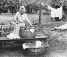 This has a great recipe for homemade laundry detergent. Also, Washing Day Instructions given to a bride in 1912 by her Kentucky grandma. Must make a print for the laundry room. Vintage Pictures, Old Pictures, Old Photos, Laundry Lines, Laundry Room, Laundry Art, Laundry Tubs, Laundry Drying, Homemade Laundry Detergent