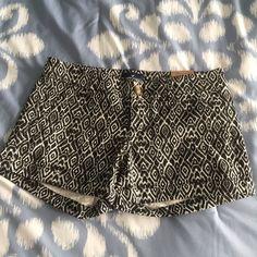 American Eagle Patterned Black & White Shorts NWT Cuffed patterned shorts. NWT American Eagle Outfitters Shorts