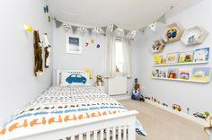 Modern kid's bedroom by MK Kid Interiors