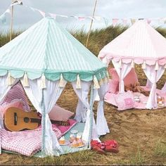 wow! how cute are these little tents!