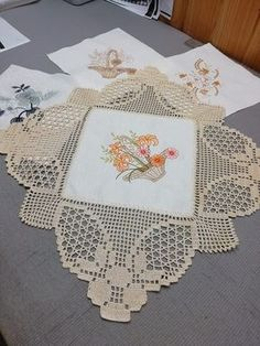 1 million+ Stunning Free Images to Use Anywhere Crochet Table Runner Pattern, Crochet Bedspread Pattern, Crochet Lace Edging, Crochet Tablecloth, Filet Crochet, Crochet Doilies, Crochet Home, Crochet Gifts, Doily Patterns