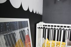 pinnasänky,piparikuvio,kuvio,printti,seinämaalaus,maalattu seinä,taulu,mustavalkoinen,lastenhuone