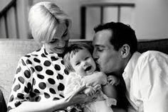Image result for paul newman y joanne woodward. Lots of family photos