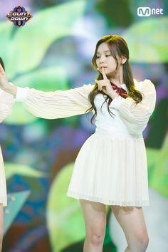 Photo album containing 6 pictures of GFRIEND South Korean Girls, Korean Girl Groups, Gfriend And Bts, Kim Ye Won, Le Net, Gfriend Sowon, Wattpad, Summer Rain, Entertainment