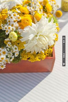 yellow and white floral centerpieces | CHECK OUT MORE IDEAS AT WEDDINGPINS.NET | #wedding