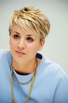 Kaley Cuoco Short Cropped Hairstyles, Pixie Cut Hairstyles, Asymmetrical Hairstyles, Short Pixie Haircuts, Hairstyles Haircuts, Bouffant Hairstyles, Updos Hairstyle, Brunette Hairstyles, Wedge Hairstyles