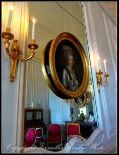 VersaillesDailyPhoto : appartements de mesdames, petit cabinet de Madame Victoire, fille de Louis XV peinte par Anne Vallayer-Coster // Portrait of princess Victoire painted by Anne Vallayer-Coster in the princess' small cabinet, château de Versailles