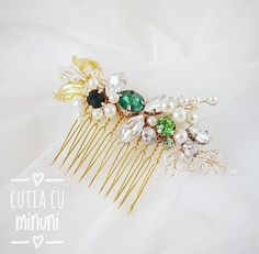 Emerald accessories/ Golden hair pin/ Wedding head piece/ Bride hair accessories