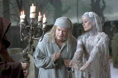 Telling Ghost Stories Is A Lost Tradition On Christmas Eve (Kelsey Grammer as Ebenezer Scrooge and Geraldine Chaplin as the Ghost of Christmas Future) Ghost Of Christmas Past, A Christmas Story, Little Christmas, Christmas Carol, Christmas Stuff, Christmas Ideas, Send Christmas Cards, Christmas Trivia, Christmas Eve Traditions