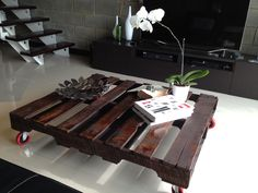 Homemade furniture - recycle old palettes to make furniture for your home.
