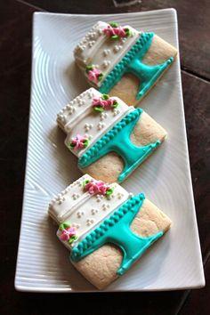 Os biscoitos decorados são um charme. Podem ser feitos para qualquer ocasião e decorados de acordo com a festa. A receita é bastante simp...