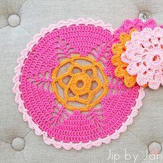 Pink doily pattern Mollie Makes Crochet Jip by Jan