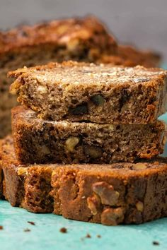 The only vegan gluten free banana bread recipe you'll ever need! Perfectly textured, moist, and packed with banana flavor. Gluten Free Banana Bread, Vegan Banana Bread, Chocolate Chip Banana Bread, Baked Banana, Gluten Free Baking, Vegan Baking, Vegan Gluten Free, Vegan Brunch Recipes, Vegan Snacks