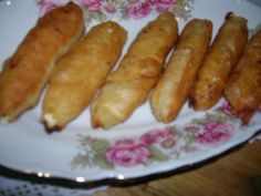 """COOKING WITH ANISOARA: PLACINTE MOLDOVENESTI """"Poale´n brau"""", SARALII Hot Dog Buns, Hot Dogs, Romanian Food, Sausage, Good Food, Bread, Cooking, Desserts, Meals"""