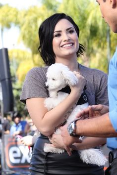 Demi Lovato Style - Demi Lovato Photos - Demi Lovato Visits the 'Extra' Set — Part 2 - Zimbio