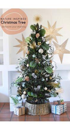 Creative Christmas Trees, Easy Christmas Crafts, Holiday Tree, Simple Christmas, All Things Christmas, Holiday Ideas, Christmas Ideas, Christmas Decorations, Holiday Decor