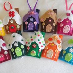 My Over The Top Adorable Is The Word For These Yummy Handmade Felt Gingerbread House Ornaments, Choose From 20 Colors Christmas Makes, Noel Christmas, Handmade Christmas, Vintage Christmas, Christmas Projects, Felt Crafts, Holiday Crafts, Felt Christmas Decorations, Felt Christmas Ornaments
