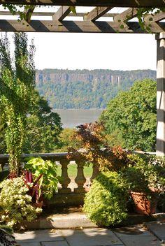 Beautiful grounds @Bob Hill Garden {Bronx, NY}