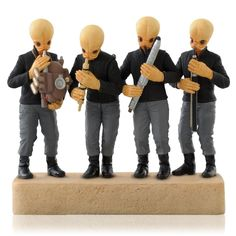 Cantina Band - Star Wars: A New Hope - 2014 Hallmark Keepsake Ornament: Hallmark 2014 Cantina Band Star Wars Ornament will play music when button is pressed. Natal Star Wars, Star Wars Christmas Ornaments, Christmas Tree, Hallmark Christmas, Christmas 2014, Christmas Ideas, Christmas Gifts, Star Wars Merchandise, Ornament Hooks