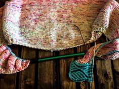 The Totally Marley Faded Brioche Shawl - Biscotte Yarns Knitting Blogs, Knitting Patterns, Crochet Patterns, Ravelry, Crochet Bikini, Knit Crochet, Online Yarn Store, Hand Dyed Yarn, Yarns