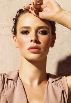 Elegant makeup.