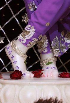 जय श्री राधे कृष्णा जय श्री कृष्णा कान्हा बाँके बिहारी जय श्री राधे श्याम भगवत गीता जय श्री राम जय हनुमान हर हर महादेव महाकाल हरे कृष्णा हरे रामा गोविंद गोपाला Jai Shree Radhe Krishna Jai shree Krishna Jai shree Radhe shyam bhagavad gita Jai shree Ram Jai Hanuman Har Har Mahadev mahakal Hare Krishna Hare Rama govind gopala शिवशंकर shiv shankar भोलेनाथ लडडू गोपाल Laddu gopal Hari हरि Vrindavan Krishna radhe radhe khatushyamji बसंत पंचमी  ekadasi hindu ram एकादशी jai mata Di जय माता दी Jai Shree Krishna, Radha Krishna Love, Radhe Krishna, Lord Krishna, Cute Girl Face, God's Grace, Krishna Images, Cute Girls, My Love