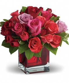 FOR THE MODERN VALENTINE THIS MARTHA STEWART LOOK IS PERFECT FOR OFFICES, AND SMALL SPACES. #modernflowers #valentinesday #roses #valentinesdaygiftideas