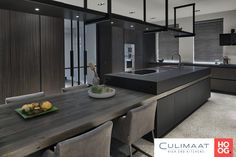 Using The Experts For Kitchen Renovations - Sweet Crib Kitchen Room Design, Modern Kitchen Design, Home Decor Kitchen, Modern House Design, Interior Design Living Room, European Kitchens, Luxury Kitchens, Home Kitchens, Kitchen Island Dining Table