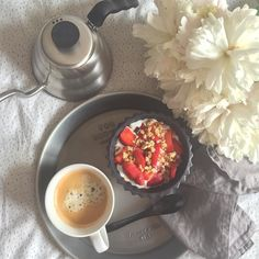 Morning coffee#peonies #instadaily #myhomestyle #coffeelover #jun #madamstoltz #hario http://ift.tt/20b7VYo
