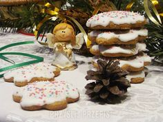 Mięciutkie pierniczki Gingerbread Cookies, Stuffed Mushrooms, Food And Drink, Sweets, Baking, Vegetables, Christmas, Blog, Recipes